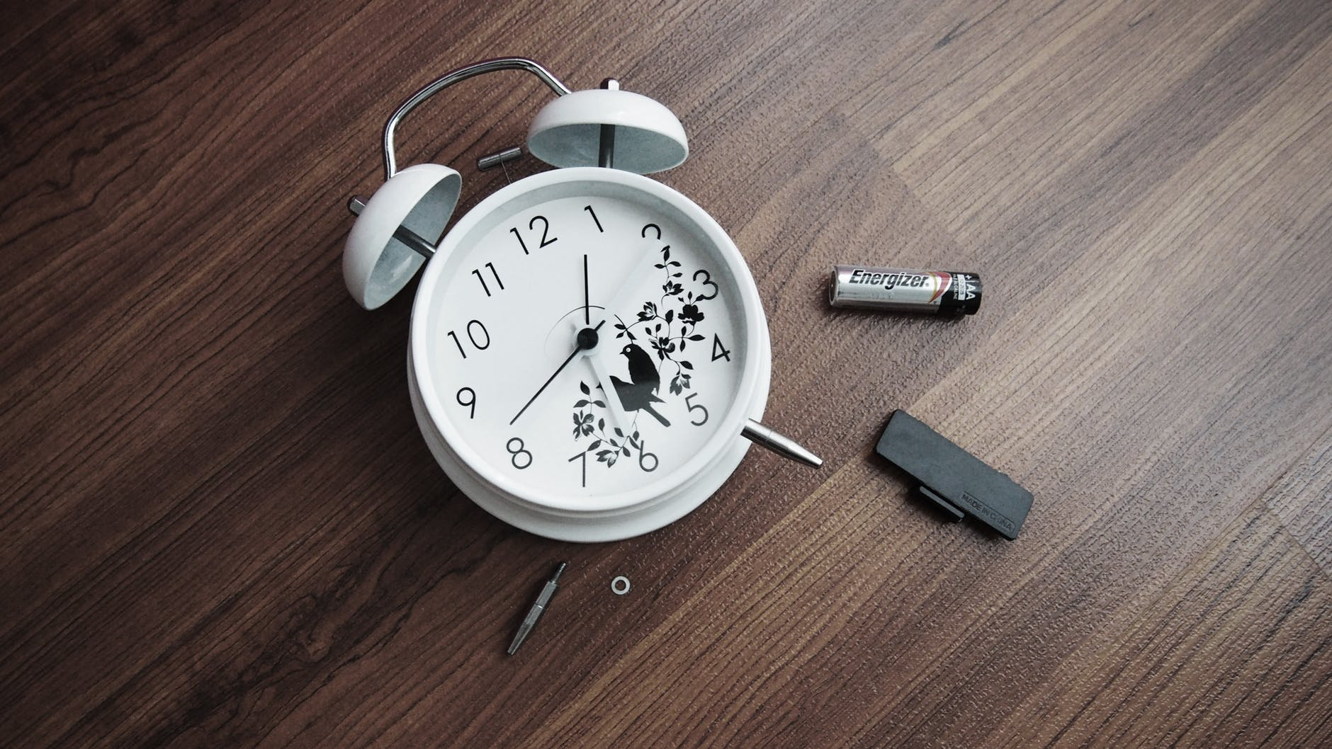 alarm clock battery clock time