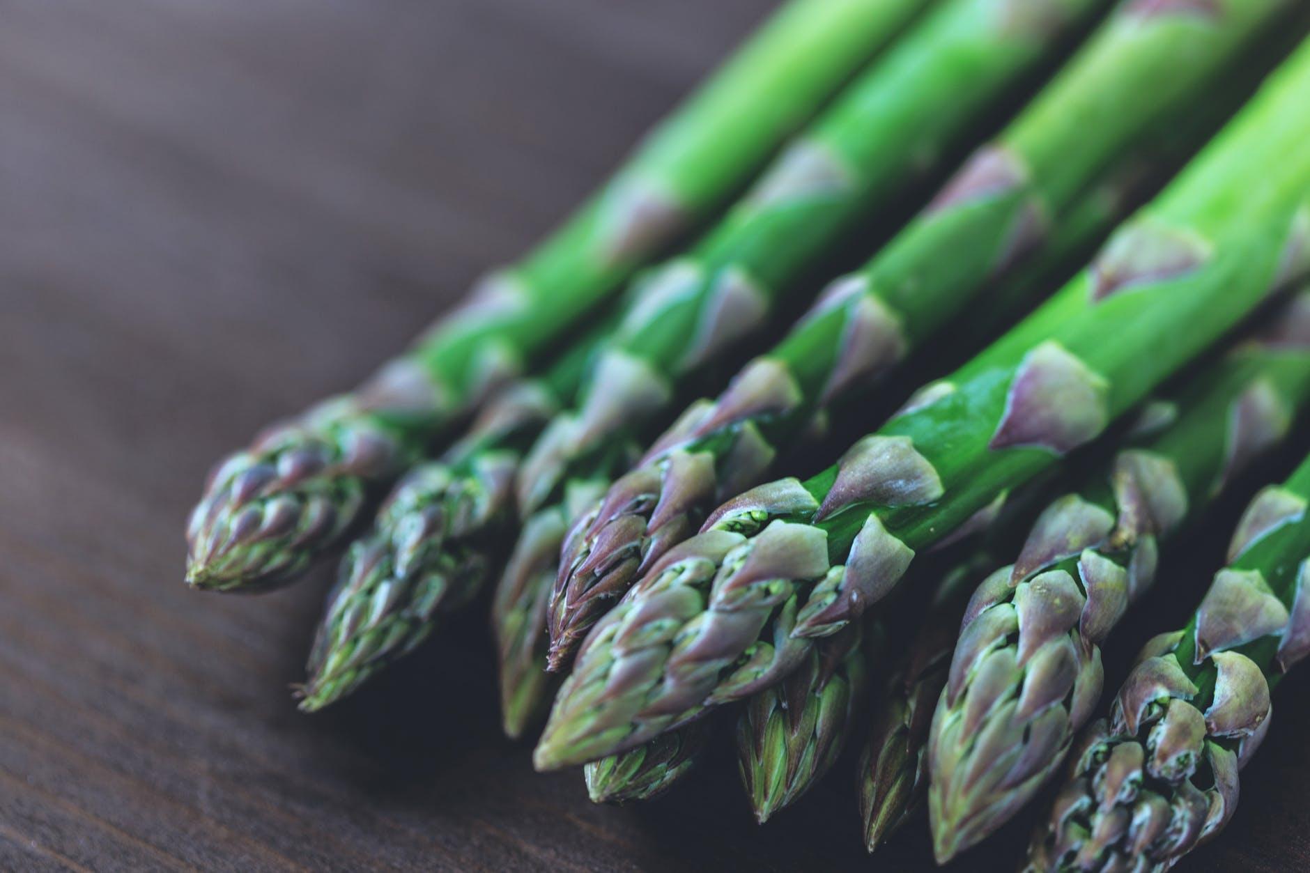 asparagus bunch bundle close up
