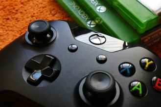 blur close up controller entertainment